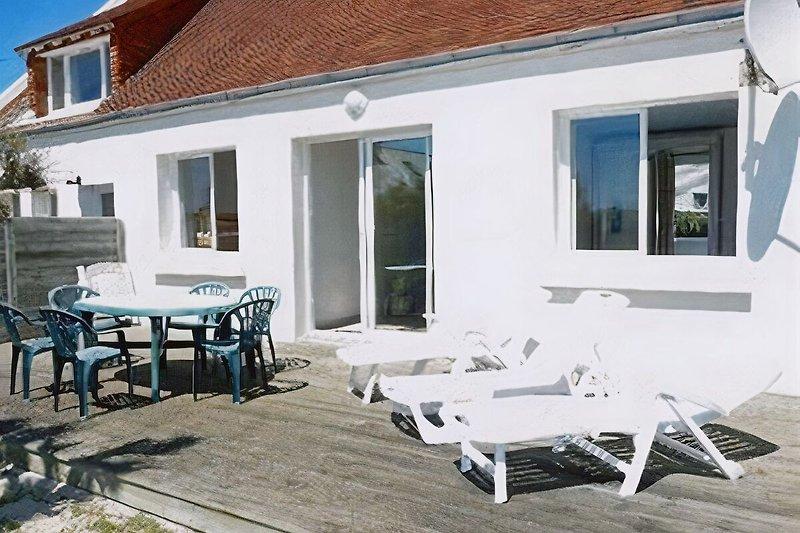 Holz Terrasse, 200m² geschlosseneen Garten