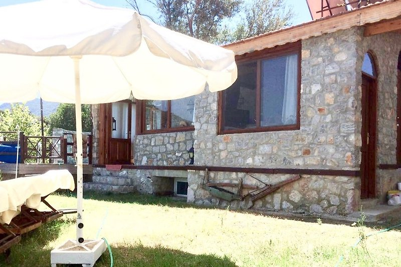Villerta with garden und pool