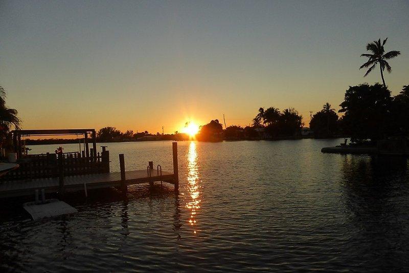 Sonnenuntergang vom Steg aus