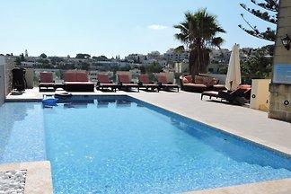 Villa & Apartments w.Pool-Malt