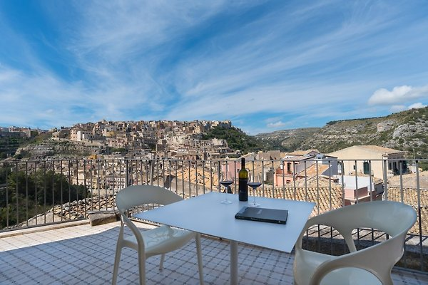 Ulysses, Wohnung mit Blick auf in Ragusa  Ibla - Bild 1