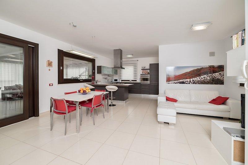 Kitchen - Lounge