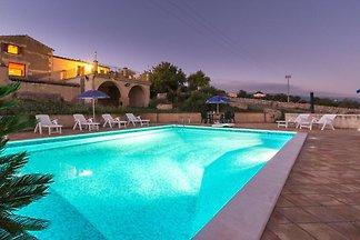 Diana, villa avec piscine et vue