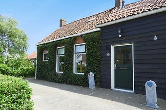 VZ664 holiday home in Serooskerke