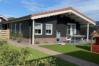 VZ866 Ferienchalet in Sint Annaland