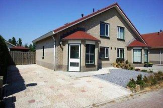 ZE124 - Ferienhaus im Stavenisse