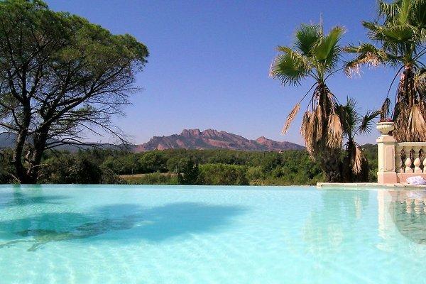 Villa Bali :Gite Bali  en Roquebrune-sur-Argens -  1