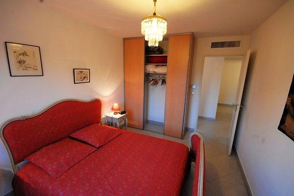 Clair d 39 azur 4 76m2 clim wifi pk appartement saint for Chambre de commerce saint raphael