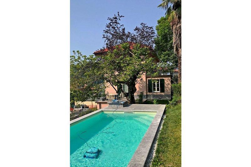Pool der Villa Cernobbio