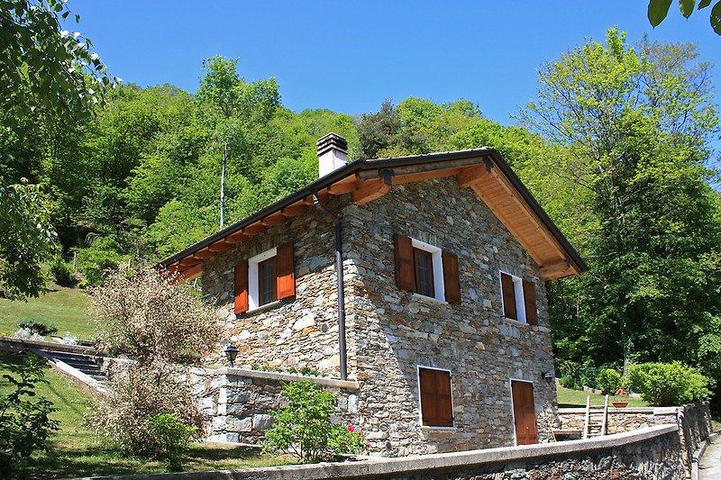 Casa Saliana in Pianello del Lario - immagine 2