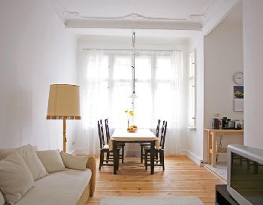2 zimmer berlin prenzlauerberg ferienwohnung in prenzlauer berg mieten. Black Bedroom Furniture Sets. Home Design Ideas