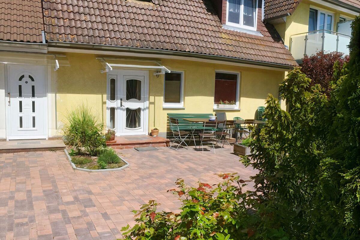 Haus pappelblick in wustrow ferienhaus in wustrow mieten for Haus mieten in
