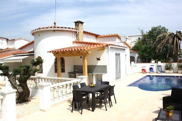 Casa Bonita con piscina u. Air in Empuriabrava - immagine 1