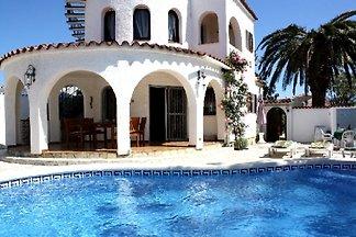 Casa Mediterraneo con piscina