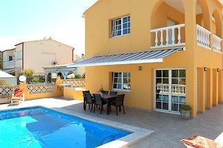 Villa Creus mit Pool, am Kanal
