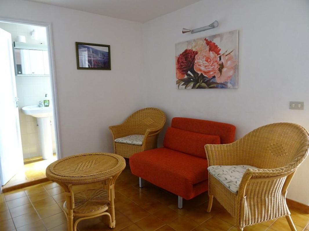 Woonkamer Casa Lola : Casa lola vakantie appartement in agaete huren