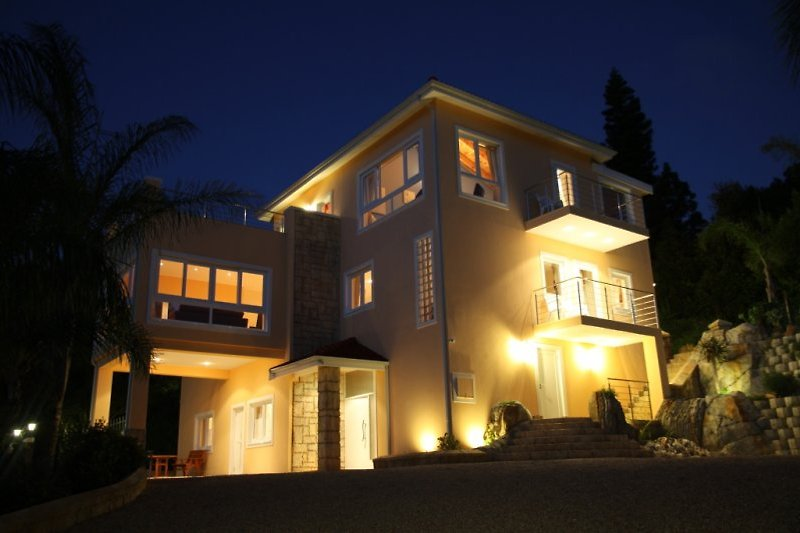 Littlewood Manor bei Nacht