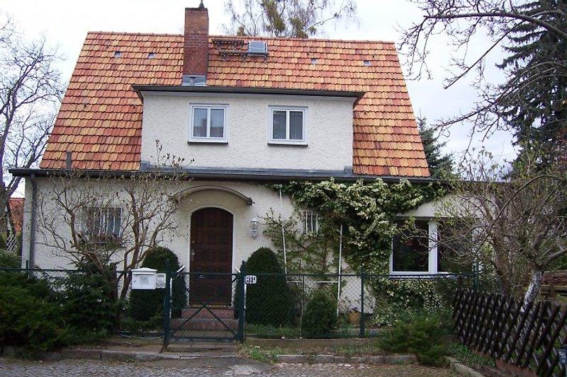 Haus Weidenbusch in Kleinmachnow - immagine 2