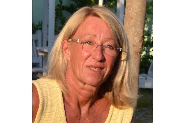 Frau J. Kuhn