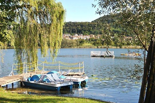 HOUSE FRONT LAKE with private beach in Revine Lago - Bild 1
