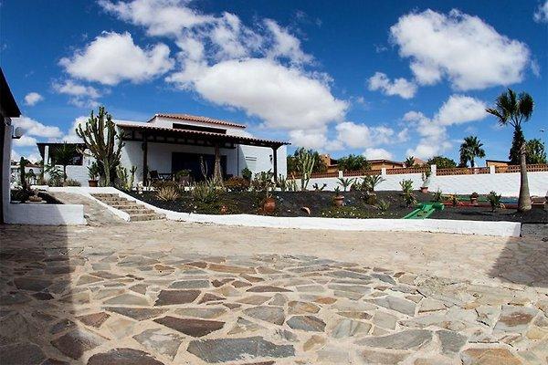 Villa con piscina Naranja u. Minigolf in Parque Holandes - immagine 1
