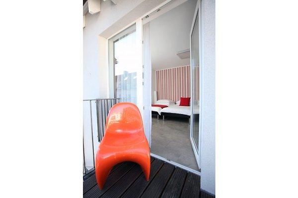 exklusive 2 zimmerwohnung in k ln ferienwohnung in k ln mieten. Black Bedroom Furniture Sets. Home Design Ideas