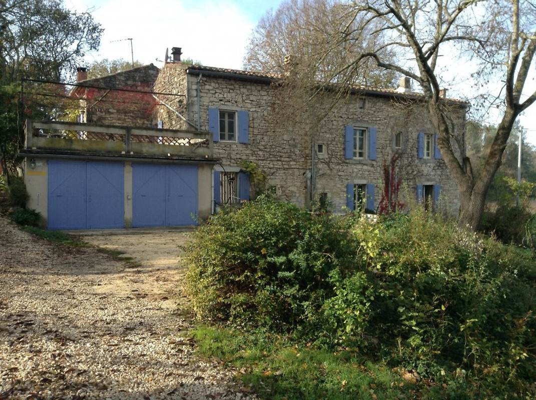 Maison bacchelot holiday home in barjac for Maison barjac