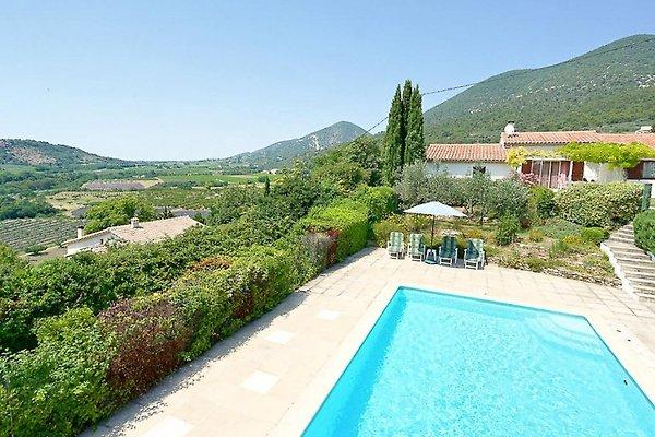Casa de vacaciones con piscina y vistas panorámicas en ValValréas - imágen 1