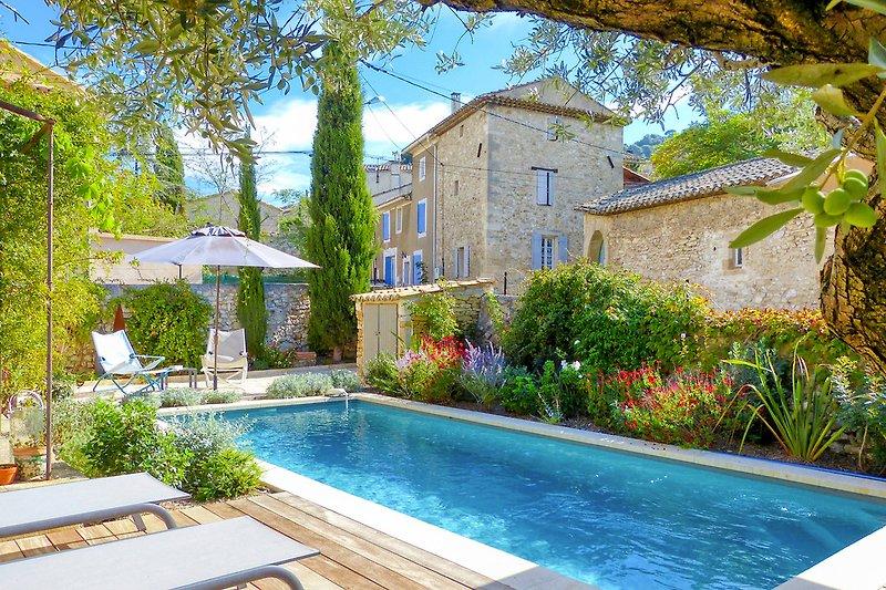 Ferienhaus mit Pool in Robion