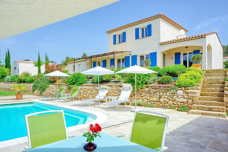 Ferienhaus mit Pool in der Provence