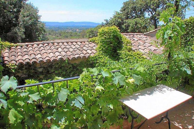 Blick von der Terrasse im Ferienhaus in der Provence