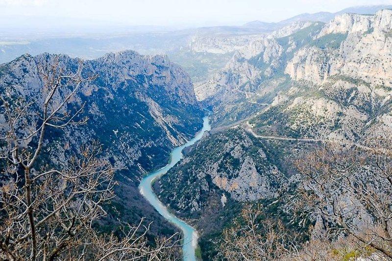 Ferienhaus mit Seeblick in Aiguines in der Provence -  Gorges du Verdon