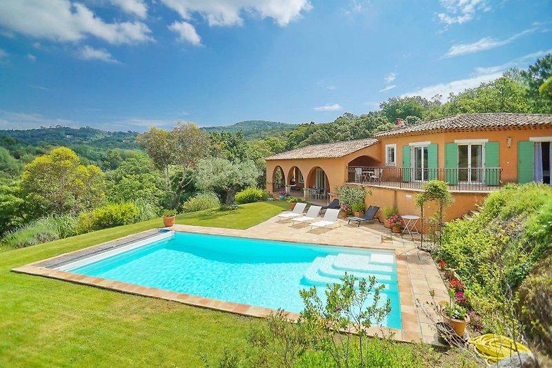 Ferienhaus mit Pool in La Croix-Valmer