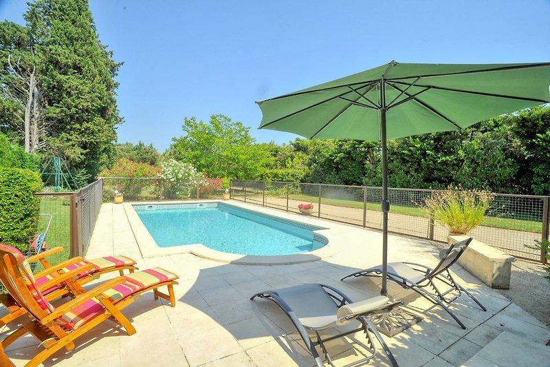Ferienhaus mit Pool bei Carpentras