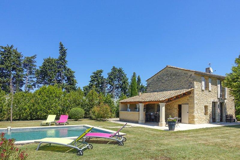 Ferienhaus mit Pool in L'Isle-sur-la-Sorgue