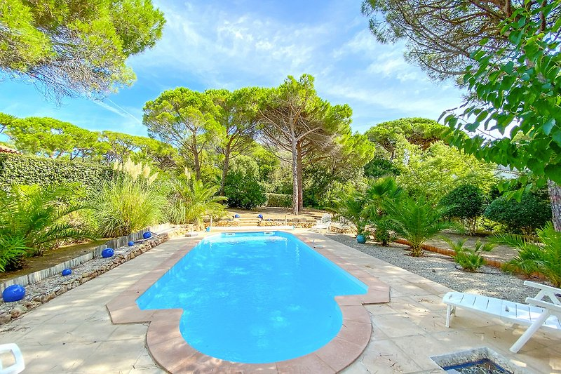 Ferienhaus mit Pool in Les Issambres
