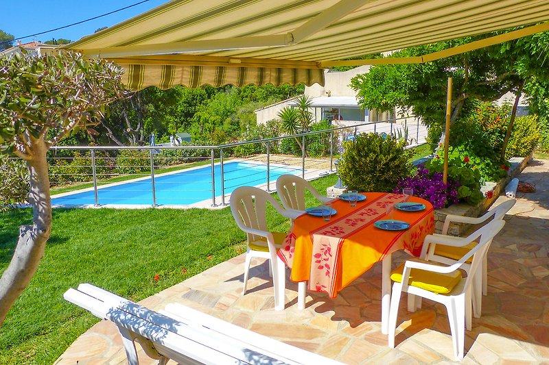 Ferienwohnung mit Pool in Saint-Aygulf