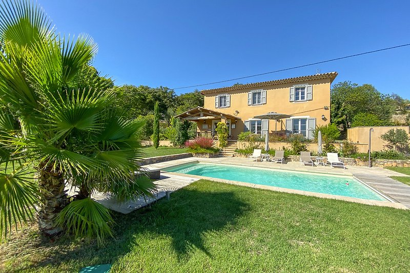 Ferienhaus mit Pool in Lorgues in der Provence