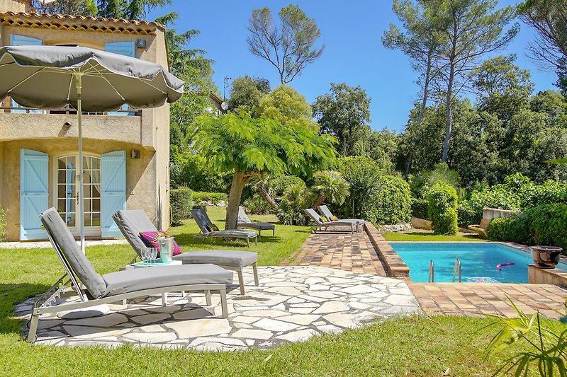 Ferienhaus mit Pool in Saint-Raphael