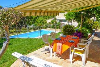 Ferienwohnung mit Garten und Pool