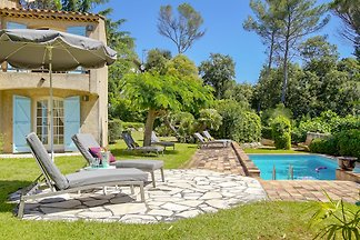 Villa with pool at the golf course