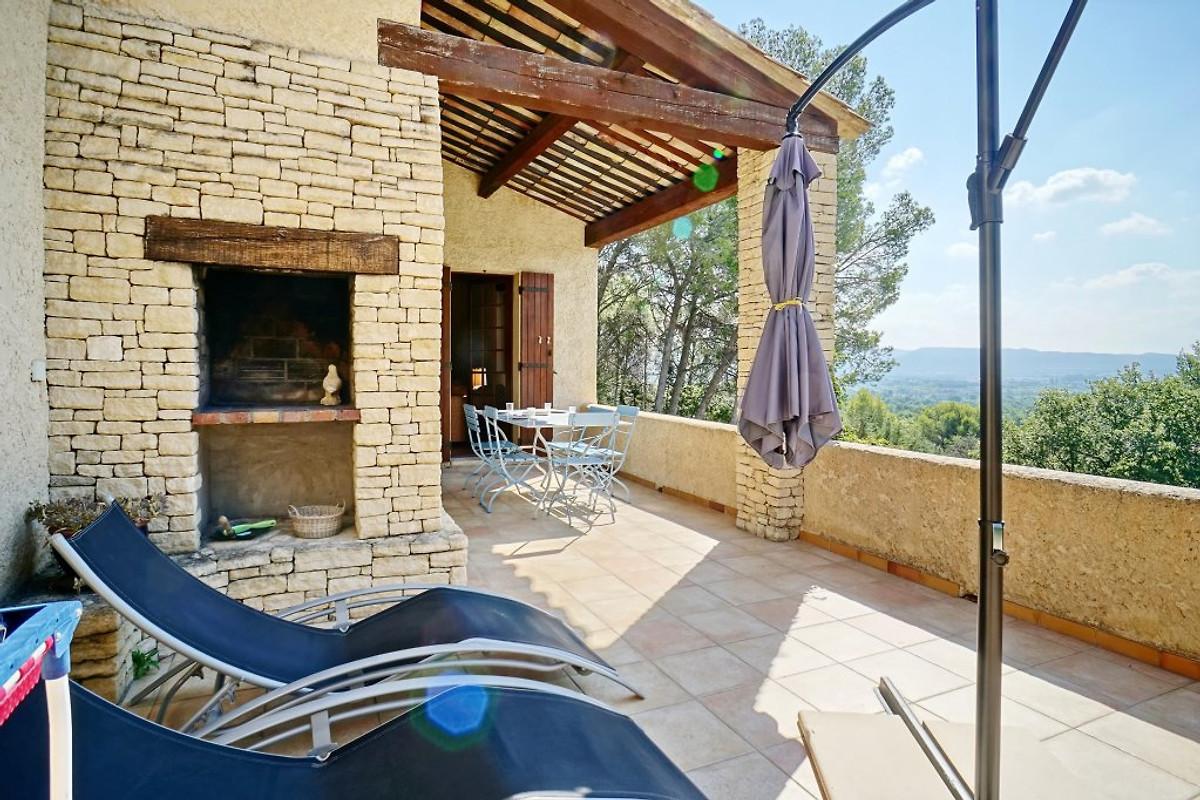 ferienhaus mit pool in der provence ferienhaus in m rindol mieten. Black Bedroom Furniture Sets. Home Design Ideas