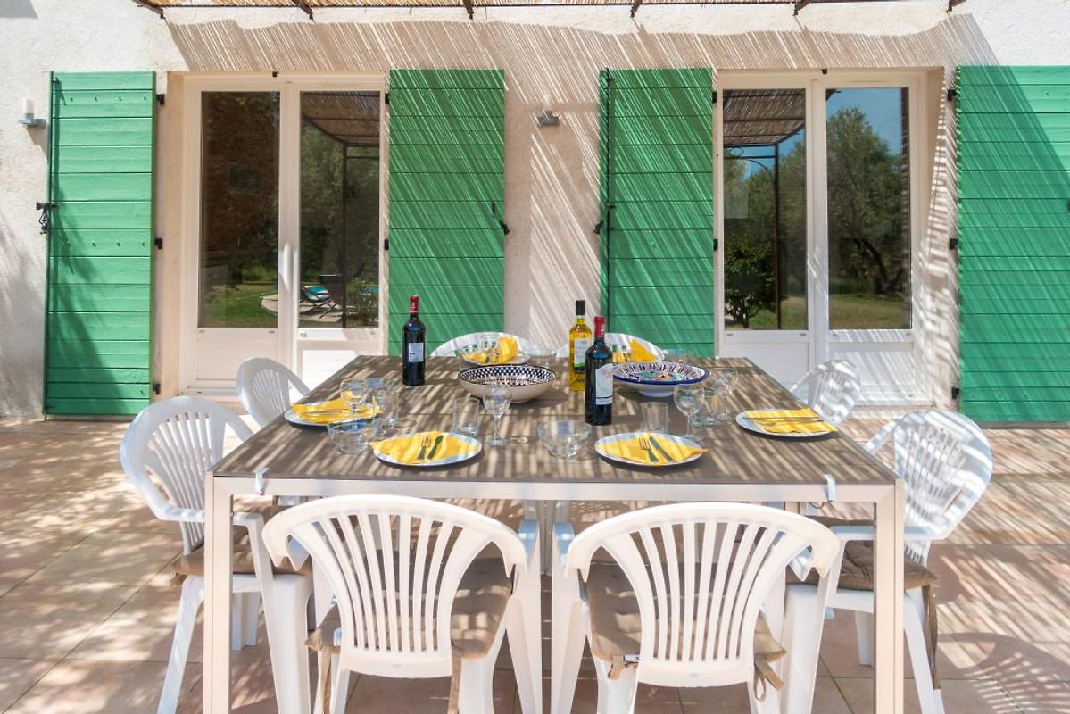 55283076c388c Acogedora casa de campo con piscina en Seillans - Compañía Marion Kutschank  Feriendomizile Sig.ra M. Kutschank