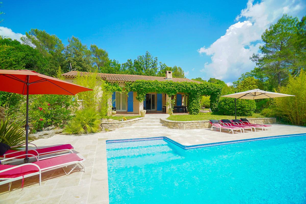 Villa avec piscine priv e maison de vacances flayosc louer - Maison a louer vacances avec piscine ...