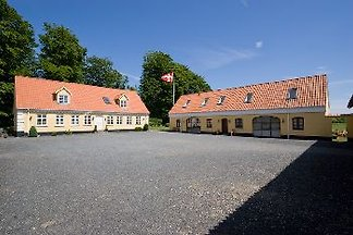 Apartament Munkebjerg Bed & Breakfast
