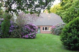 Sehr schönes Ferienhaus mit grossem ruhigen Garten