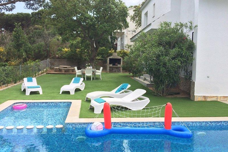 Poolbereich mit Babybecken