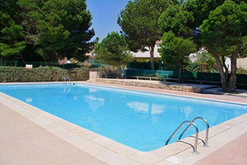 benutzbarer Pool Ferienhaus Soleil