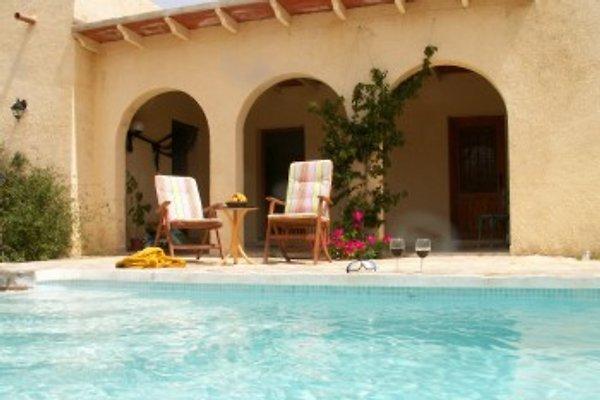 Casa Encantador en Bedar - imágen 1