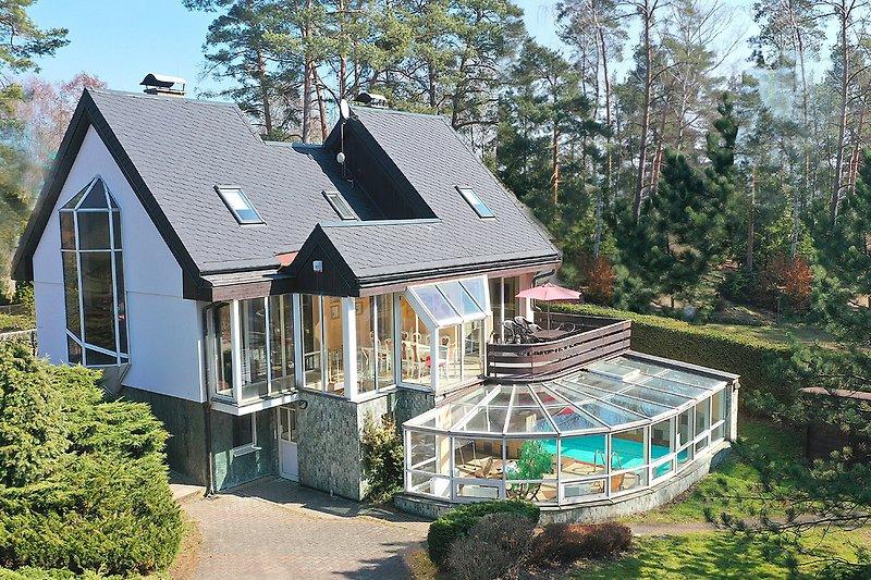 Wellness Ferienhaus BRANZEZ mit Innenpool, Sauna und Dampfbad